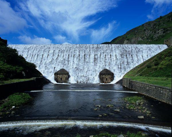 Caban-Coch Dam, Elan Valley