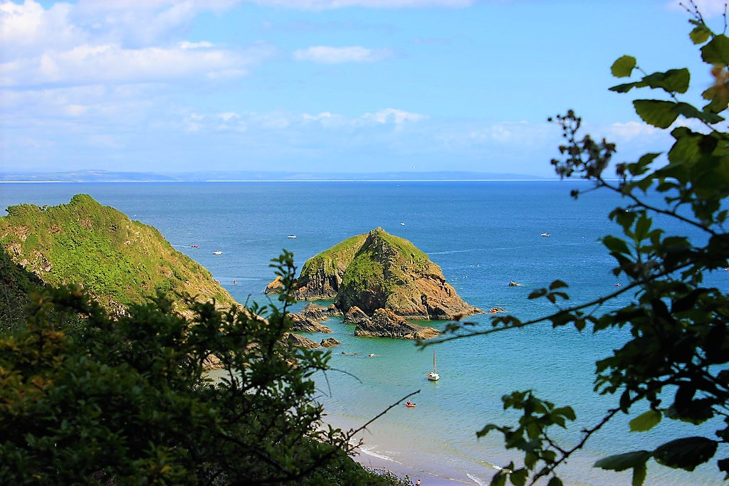 Pembrokeshire coastal Park Monkstone Beach