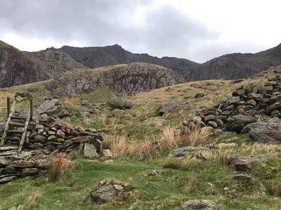 Starting Crib y Ddysgl's Llechog Ridge Scramble